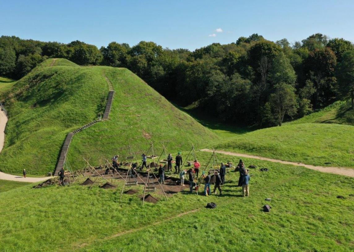 Archeologiniai tyrimai Aukuro kalne