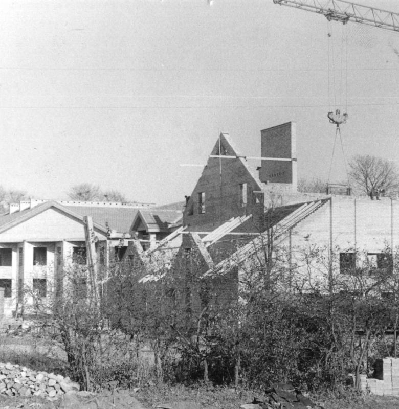 Kernavės kultūros namų pastato statyba 1988 m. Būsimas Kernavės seniūnijos ir muziejaus pastatas. A. Aleknos nuotrauka