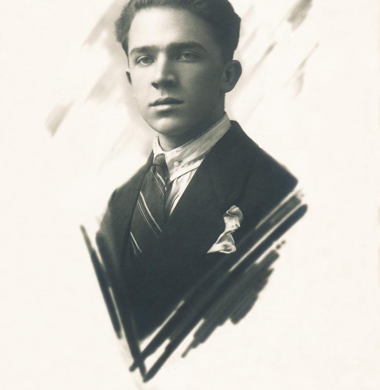 Muziejaus įkūrėjas mokytojas  J. Šiaučiūnas (1906 – 1943)